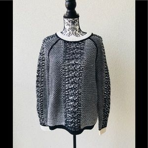 🦋NWT Lord&taylor black white casual sweater M